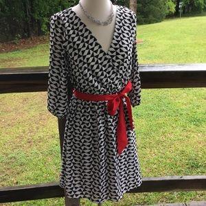 Everly Black & White Geometric Design Dress SzS